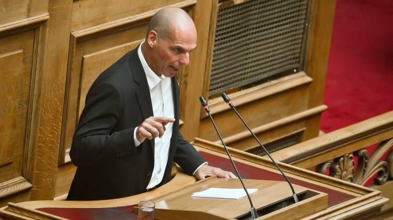 Επίκαιρη ερώτηση Βαρουφάκη στον Μητσοτάκη για τις εξελίξεις στα Σκόπια μετά το βέτο στη Γαλλία