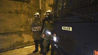 Θεσσαλονίκη: Οργισμένοι κάτοικοι εμπόδισαν την εγκατάσταση προσφύγων σε ξενοδοχεία