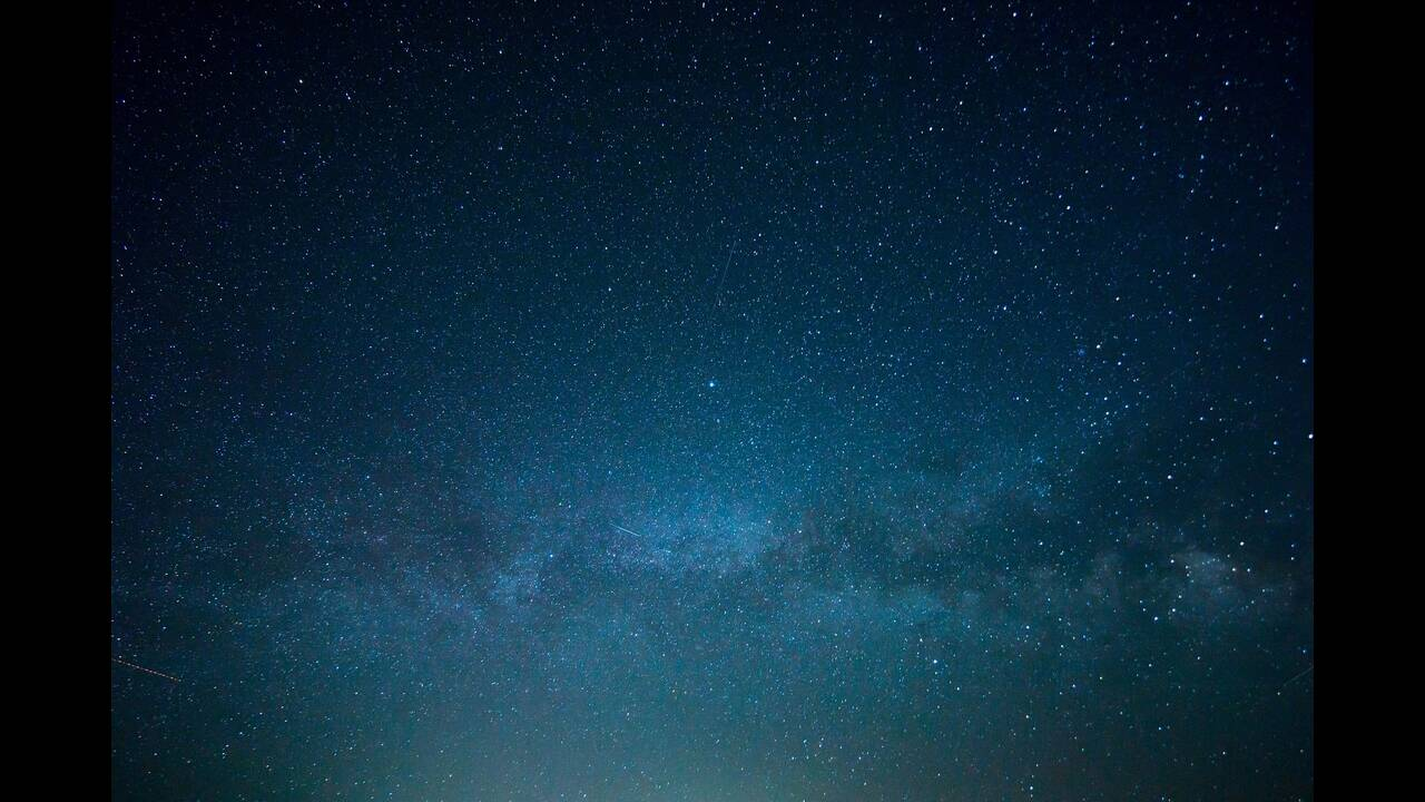 https://cdn.cnngreece.gr/media/news/2019/10/23/194928/photos/snapshot/sky-828648_1920.jpg