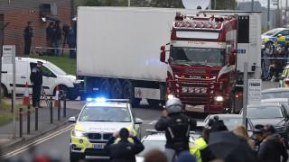 Φρίκη στο Έσεξ: Έφοδοι στη Βόρεια Ιρλανδία για την υπόθεση με τους 39 νεκρούς - Τα σενάρια των Αρχών