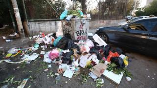 Απεργία ΠΟΕ-ΟΤΑ: Αποπνικτική η ατμόσφαιρα στην Αθήνα - «Λόφοι» σκουπιδιών στους δρόμους