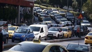 Ανατροπή φορτηγού στον Κηφισό - Ουρές χιλιομέτρων