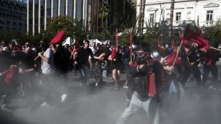 Ένταση, επεισόδια και χημικά στις συγκεντρώσεις σε Αθήνα και Θεσσαλονίκη