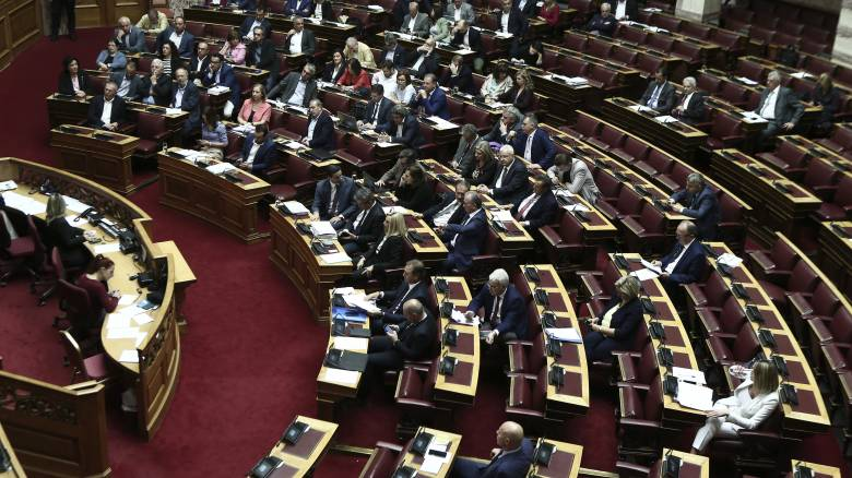 Σε εξέλιξη στη Βουλή η συζήτηση για το Αναπτυξιακό Νομοσχέδιο