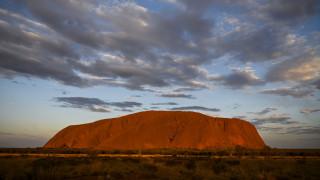 Αυστραλία: Τελευταία επίσκεψη στο περίφημο Ουλουρού που «κλείνει» οριστικά