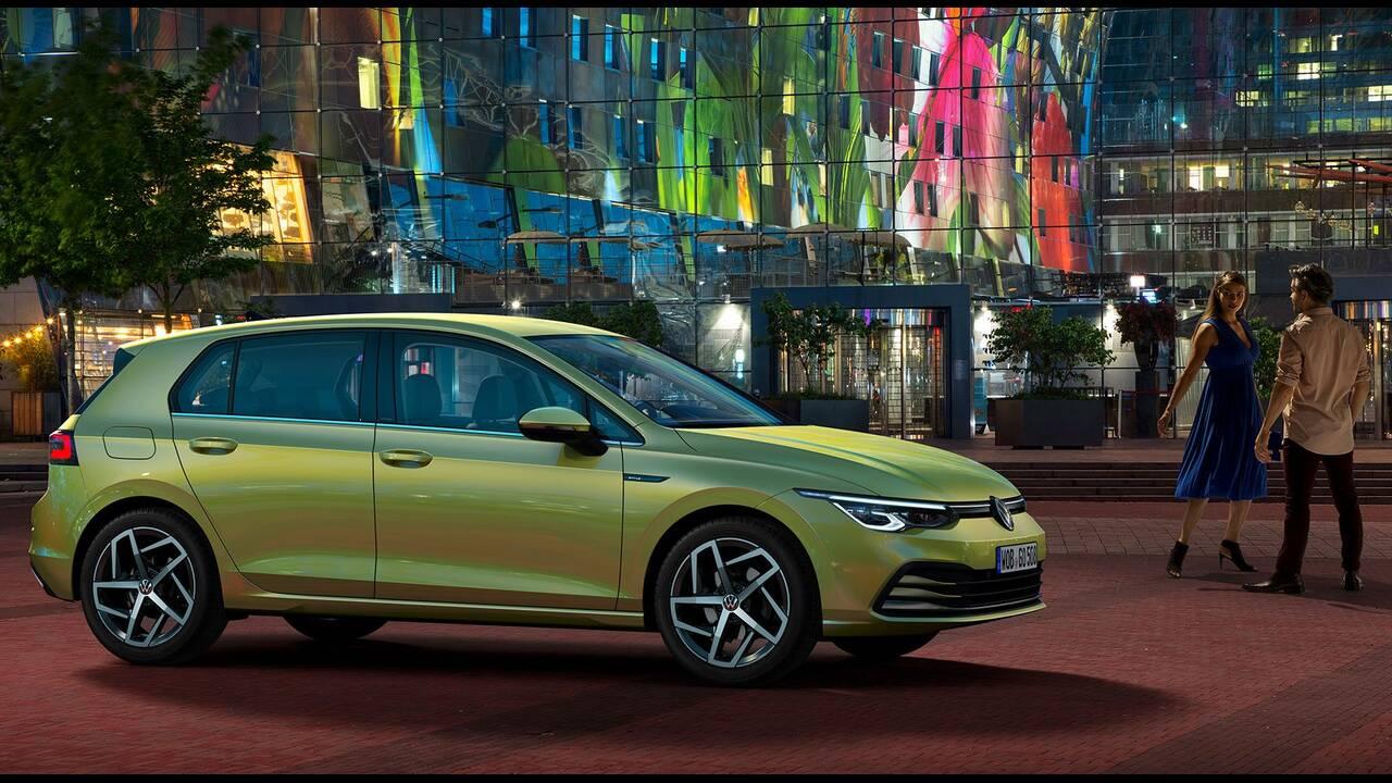 https://cdn.cnngreece.gr/media/news/2019/10/25/195108/photos/snapshot/VW-GOLF-2020-18.jpg
