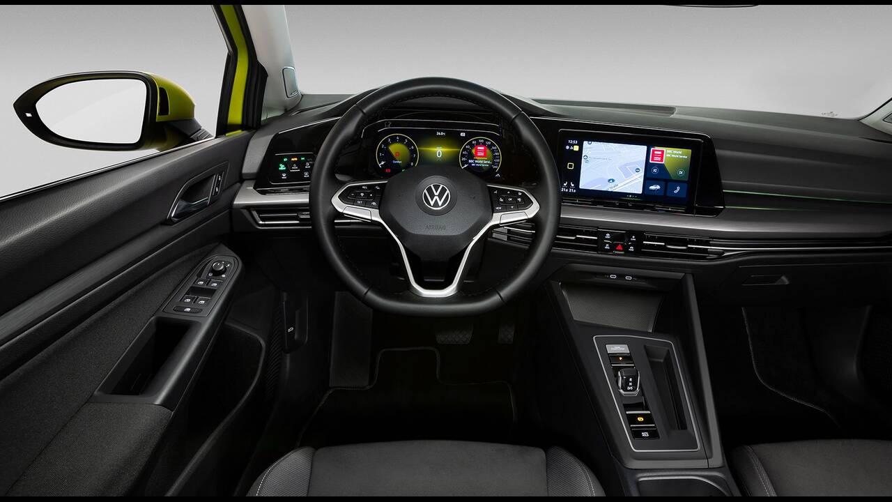 https://cdn.cnngreece.gr/media/news/2019/10/25/195108/photos/snapshot/VW-GOLF-2020-20.jpg