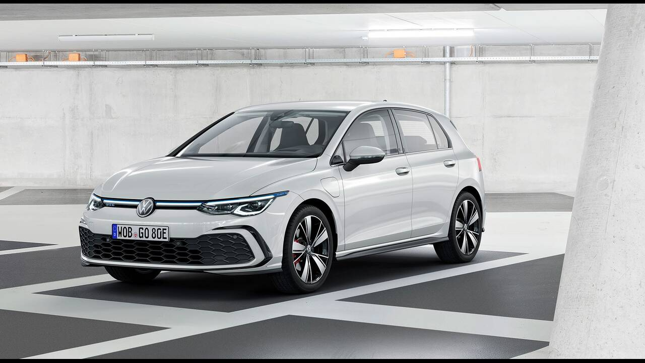 https://cdn.cnngreece.gr/media/news/2019/10/25/195108/photos/snapshot/VW-GOLF-2020-23.jpg
