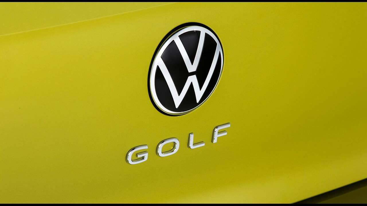https://cdn.cnngreece.gr/media/news/2019/10/25/195108/photos/snapshot/VW-GOLF-2020-24.jpg