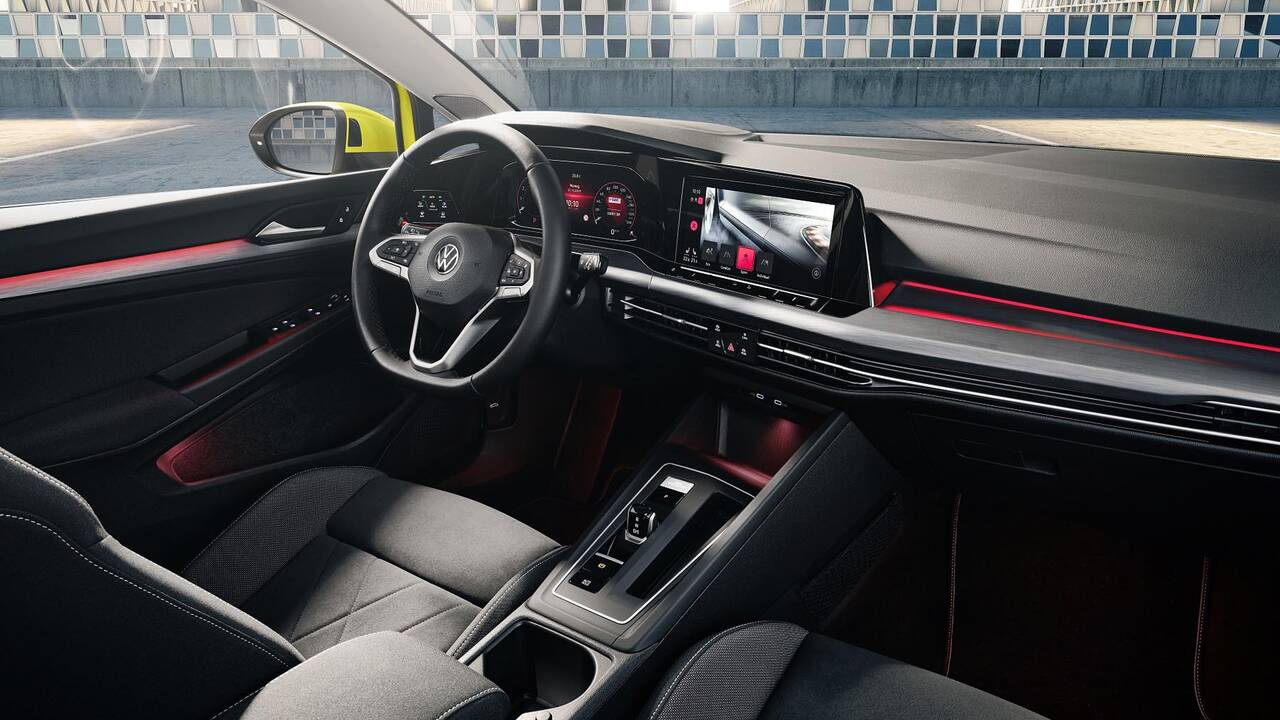https://cdn.cnngreece.gr/media/news/2019/10/25/195108/photos/snapshot/VW-GOLF-2020-6.jpg