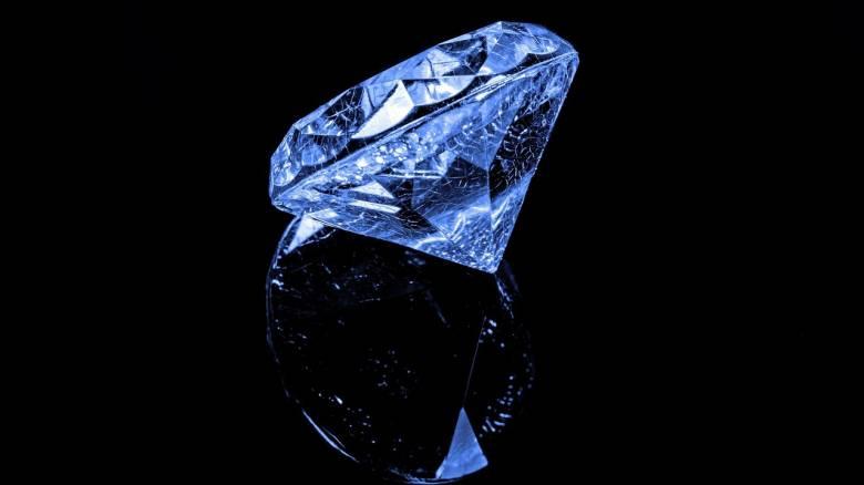 Ιαπωνία: Διαμάντι αξίας 1,6 εκατ. δολαρίων εκλάπη από έκθεση κοσμημάτων