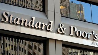 Standard & Poor's: Αναβάθμισε την ελληνική οικονομία - Ικανοποίηση Σταϊκούρα