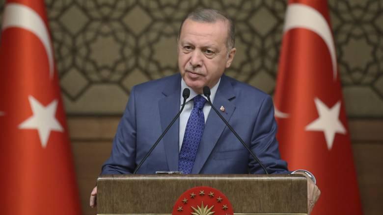 Ερντογάν σε ΕΕ: Ανοίγουμε τα σύνορα στους πρόσφυγες αν δεν στηριχθεί η «ζώνη ασφαλείας» στη Συρία