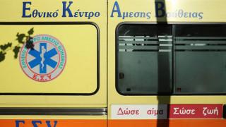 Άργος: Αυτοκίνητο συγκρούεται με περιπολικό και «καρφώνεται» σε κολώνα - Δύο νεκροί