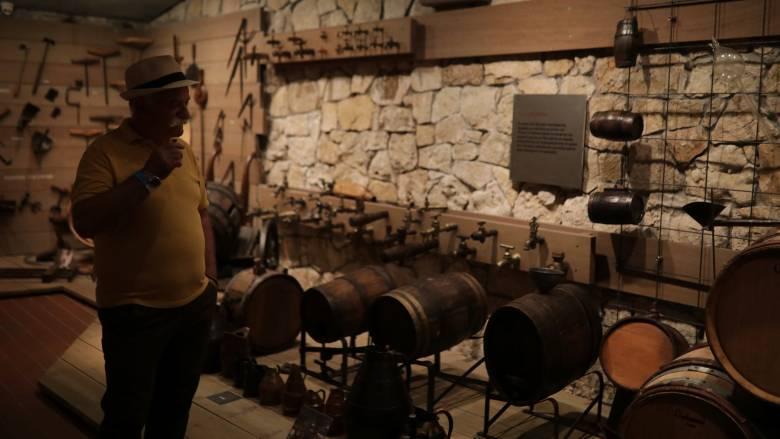 Financial Times: Το εγκώμιο των ελληνικών κρασιών πλέκει διάσημη κριτικός οίνου