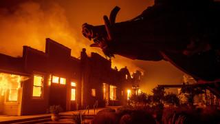 Η φωτιά Kincade κατακαίει την Καλιφόρνια: 180.000 άνθρωποι εγκαταλείπουν τα σπίτια τους