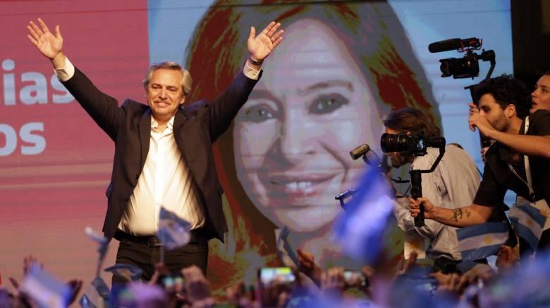 Αργεντινή: Ο κεντροαριστερός Αλμπέρτο Φερνάντες εξελέγη πρόεδρος της χώρας