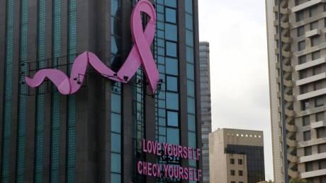 Πώς θερμική κάμερα σε τουριστικό αξιοθέατο εντόπισε καρκίνο του μαστού σε μια γυναίκα