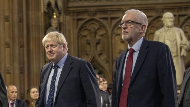 Εξελίξεις στη Βρετανία: «Ναι» στις πρόωρες εκλογές λένε οι Εργατικοί