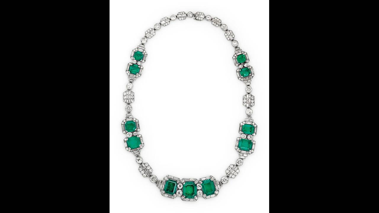 https://cdn.cnngreece.gr/media/news/2019/10/29/195523/photos/snapshot/thatcher-christies-art-deco-emerald-and-diamond-necklace-by-chaumet--circa-1930--estimate--120-000-180-000-.jpg