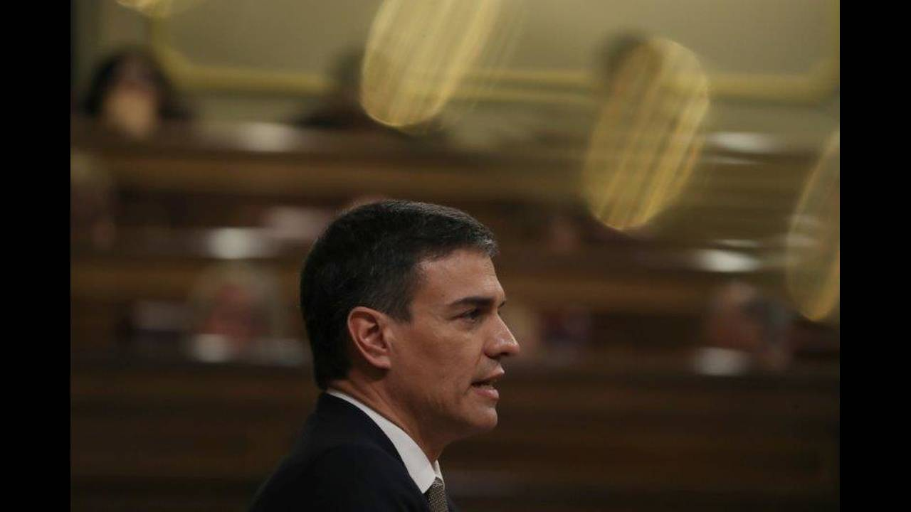 https://cdn.cnngreece.gr/media/news/2019/10/30/195600/photos/snapshot/2018-05-31T143555Z_1434374166_UP1EE5V14JVF8_RTRMADP_3_SPAIN-POLITICS.jpg