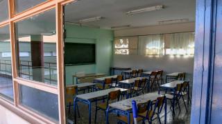 Ιεράπετρα: Μαθητής έσυρε τη δασκάλα του από τα μαλλιά