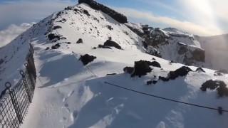 Μετέδωσε live τον θάνατό του: Ορειβάτης έπεσε από το όρος Φούτζι