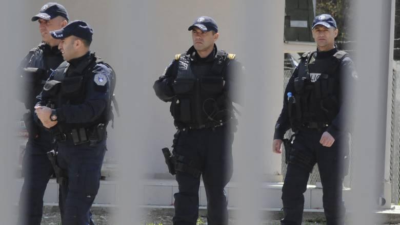 Σοκαριστική υπόθεση στο Κόσοβο: Καθηγητής, αστυνομικός, δικηγόρος και γυναικολόγος βίασαν ανήλικη