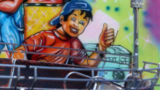 Ναύπακτος - Συγκλονιστική μαρτυρία: Είδα το παιδί μου να κρέμεται έξω από το τρενάκι του λούνα παρκ