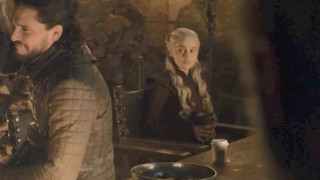 Ποιος είχε αφήσει τον καφέ στα γυρίσματα του Game of Thrones; Η Εμίλια Κλαρκ λύνει το μυστήριο