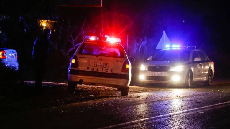 Μέγαρα: Πυροβόλησαν ζευγάρι μέσα στο σπίτι του – Νεκρός ο άνδρας