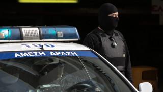 Έγκλημα στα Μέγαρα: Παραδόθηκε ο άνδρας που πυροβόλησε ζευγάρι μπροστά στα παιδιά του
