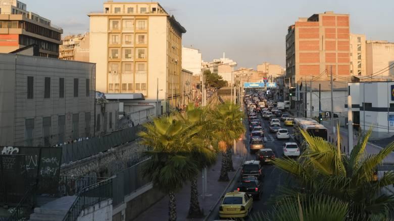 Μποτιλιάρισμα στους δρόμους της Αθήνας – Πού παρουσιάζονται προβλήματα