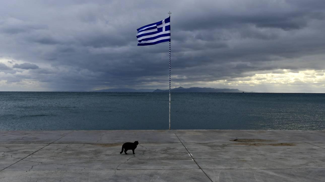 Όλο και λιγότεροι: Ο ελληνικός πληθυσμός μειώθηκε κατά 33.857 άτομα σε ένα χρόνο