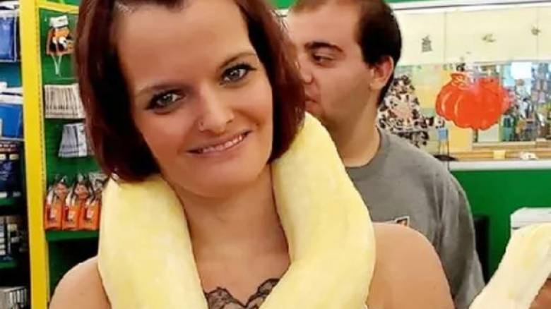 Ιντιάνα: 36χρονη στραγγαλίστηκε από πύθωνα - Βρέθηκε νεκρή με το ερπετό στον λαιμό της