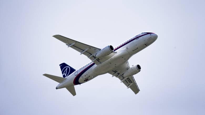 Τρόμος στον αέρα για 80 επιβαίνοντες: Αεροσκάφος έμεινε με έναν κινητήρα λόγω πουλιών