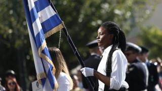 «Δεν ένιωσα κανένα αίσθημα υποτίμησης»: Αυτή είναι η 17χρονη σημαιοφόρος από τη Νιγηρία