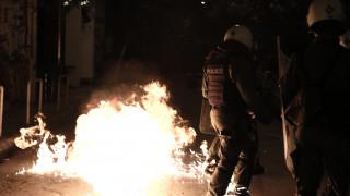 Εξάρχεια: Δύο προσαγωγές μετά από επεισόδια μεταξύ κουκουλοφόρων και αστυνομικών