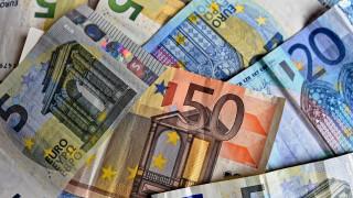 Μέρισμα και αναδρομικά: Σε ποιους θα μοιραστεί το δώρο του 1 δισ. ευρώ