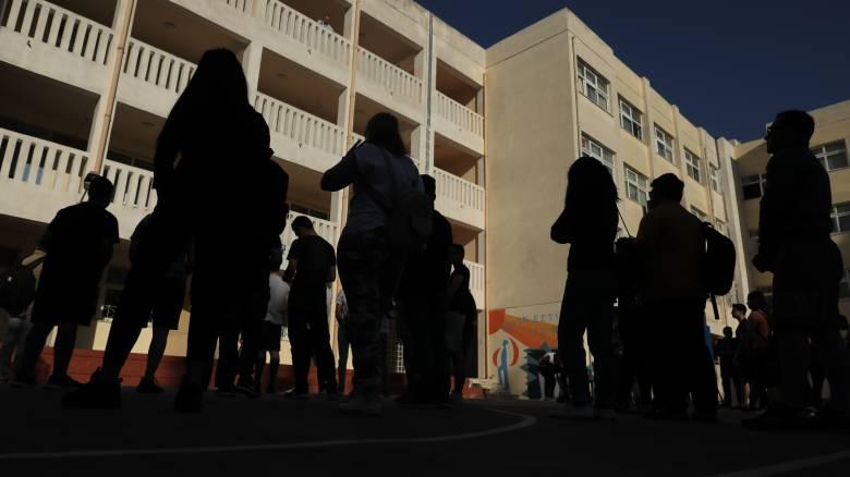 Πανελλήνιες: Ριζικές αλλαγές στο καθεστώτος εισαγωγής – Αγωνία για τους μαθητές