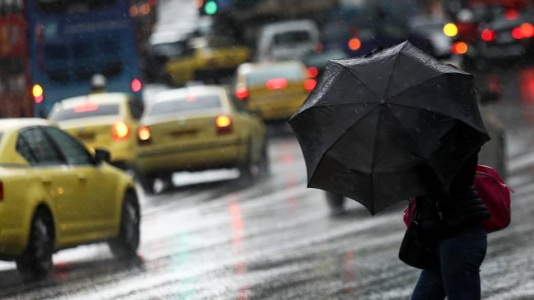 Καιρός: Βροχές και καταιγίδες τις επόμενες ώρες - Πού θα «χτυπήσει» η κακοκαιρία