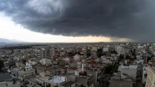 Καιρός: Βροχές και καταιγίδες αναμένονται σήμερα - Πού θα «χτυπήσουν»