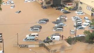 Εικόνες καταστροφής στη Γαλλία από την καταιγίδα «Αμελί»: Διακοπές ρεύματος και πλημμύρες