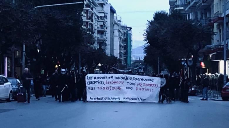 Θεσσαλονίκη: Σε εξέλιξη δύο συγκεντρώσεις υπέρ και κατά των προσφύγων