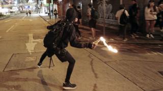 Αιματηρά επεισόδια στο Χονγκ Κονγκ: Σε κρίσιμη κατάσταση τρεις τραυματίες