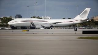 «Ζωγραφιές» στους αιθέρες: Εντυπωσιακό αντίο στα Boeing 747 πάνω από τη Μεσόγειο