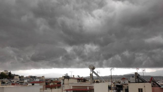 Shelf cloud: To σύννεφο που «κατάπιε» την Αττική - Μεγάλα ποσοστά βροχής