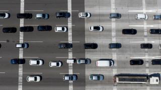 Φοροκίνητρα για την αγορά μη ρυπογόνων αυτοκινήτων σχεδιάζει η κυβέρνηση