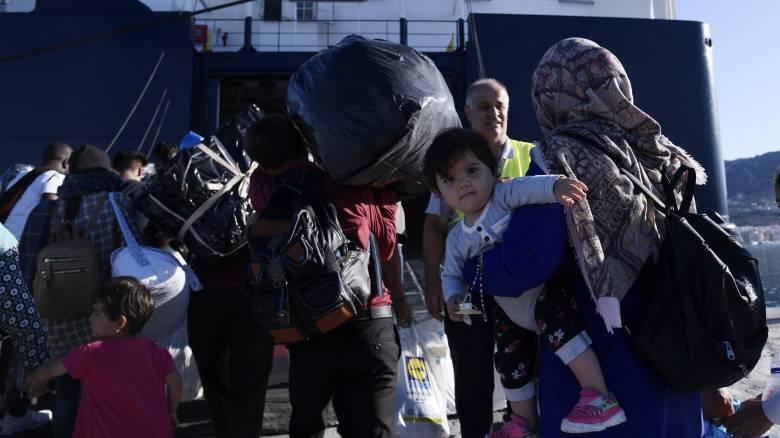 Στο λιμάνι του Πειραιά φτάνουν 155 πρόσφυγες από Μυτιλήνη και Κάλυμνο