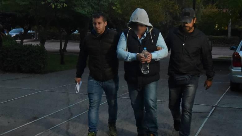 Έγκλημα στα Μέγαρα: Το δρόμο προς τη φυλακή πήρε ο σωφρονιστικός υπάλληλος